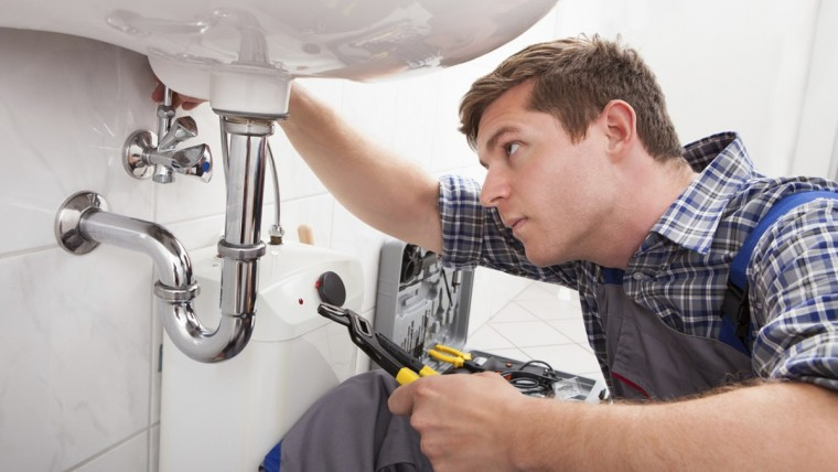 3 things i learned about customer service by being a plumber first